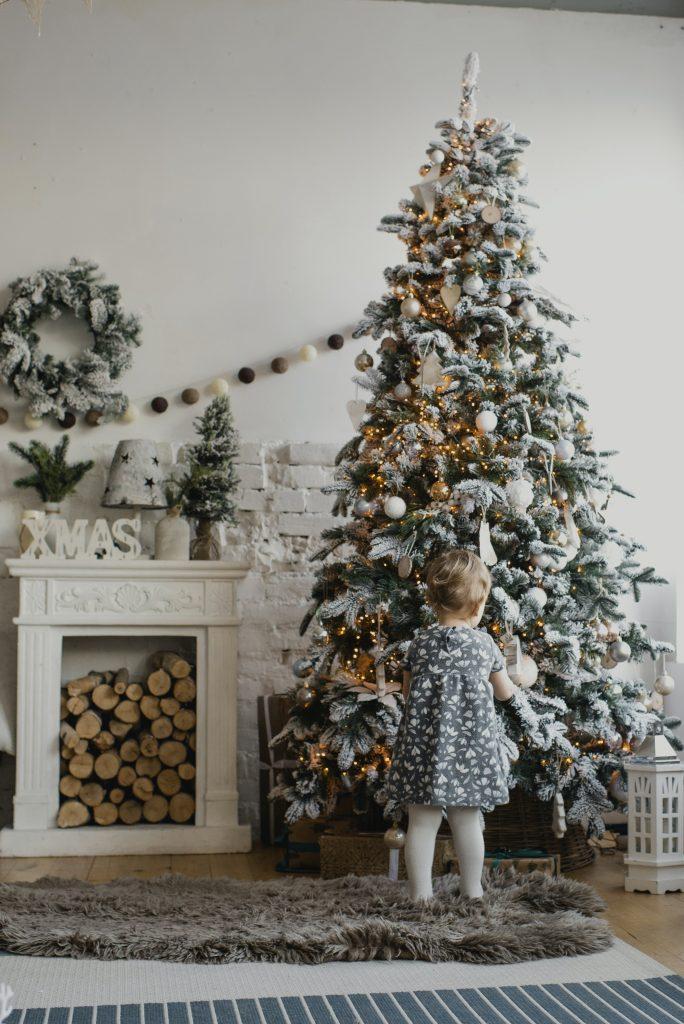 holiday photography tips christmas tree